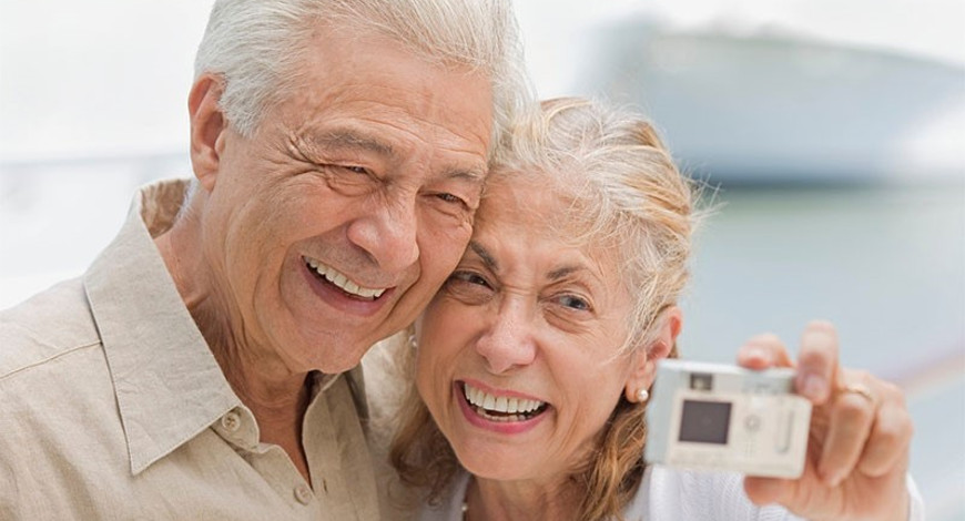 implantes dentales sintrom tercera edad